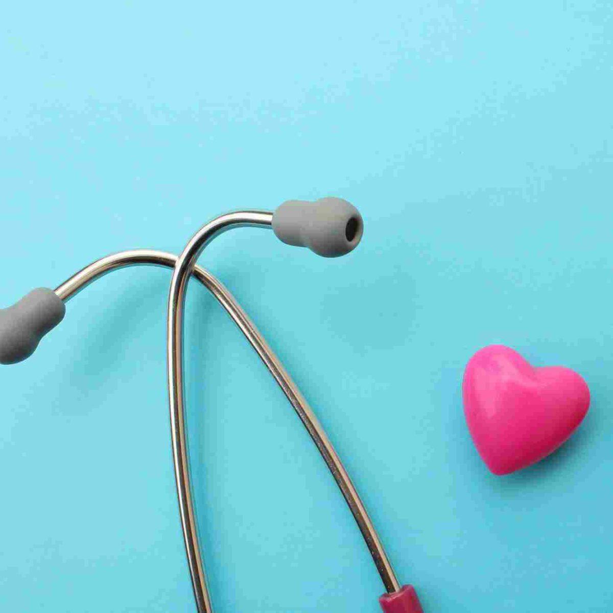 http://www.liveloveat.it/wp-content/uploads/2015/12/srce-i-stetoskop-1200x1200.jpg
