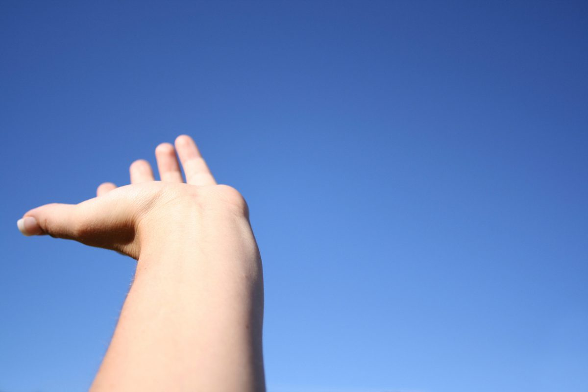 hand-in-sky-1409550-1279x852-1200x800.jpg
